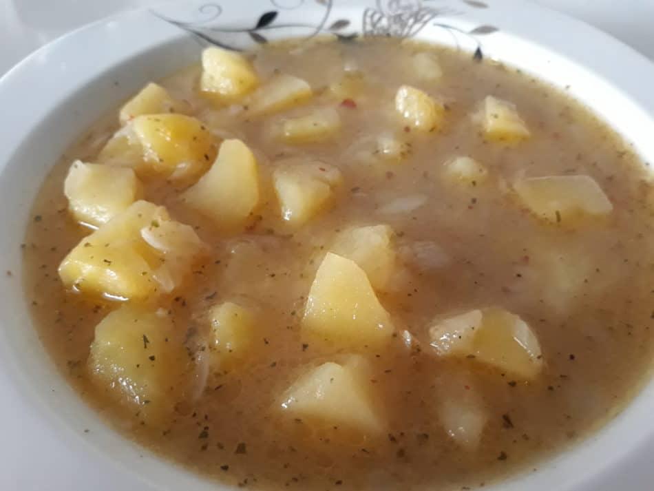 Bol Baharatlı Salçasız Patates Yemeği
