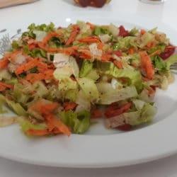 5 dakikada Marul Salatası Tarifi