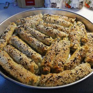 Ispanaklı ve Peynirli Börek