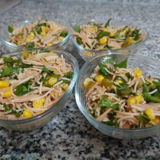Tel şehriye salatası