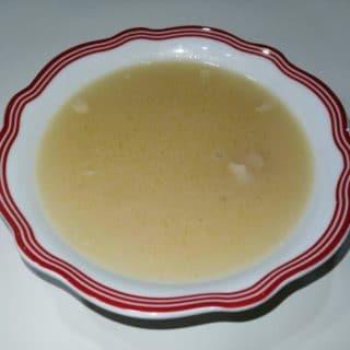 Tavuk Sulu Un Çorbası
